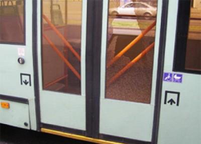 В Краснодаре водитель троллейбуса зажал мальчика в дверях и протащил его 65 метров