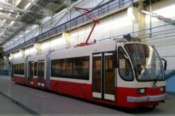 В Волгограде вышел на линию новый трехсекционный трамвай