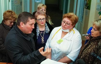 Андрей Бочаров раскритиковал работу главврача волгоградской детской больницы №8