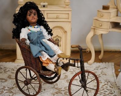 В Национальном музее Адыгеи проходит выставка антикварных кукол