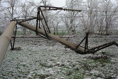 Шквальный ветер оставил многих жителей Ростовской области без света