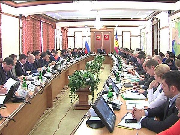 Губернатор Краснодарского края обсудил ситуацию с долгами по заработной плате
