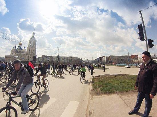 Стартовал забег «Ростовское кольцо», посвящённый юбилею Победы