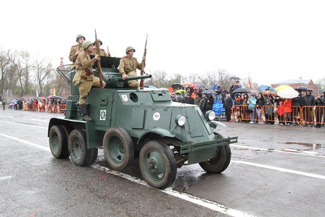 Ростовские правоохранители устроили театрализованное представление в честь Дня Победы
