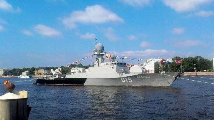 Судна Каспийской флотилии на рейде в Волгограде