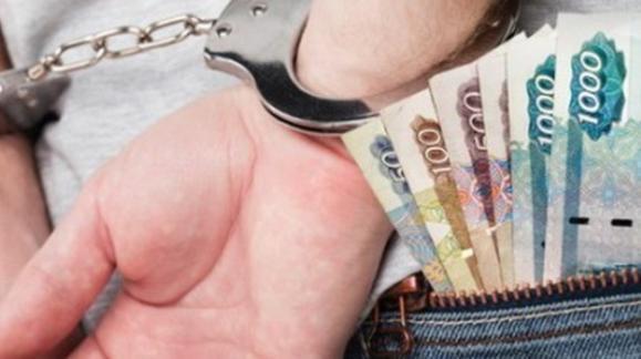 Заместителя руководителя волгоградского МУПа обвиняют в «откатах»