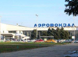 В аэропорту Ростова вскоре появится дополнительный парковочный комплекс