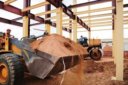 А. Жилкин побывал на строительстве пропускного пункта в порту Оля