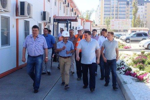 А. Бочаров провел выездное заседание на стройке  стадиона
