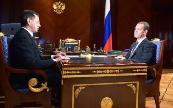 А. Жилкин обсудил состояние дел в Астраханской области с Д. Медведевым