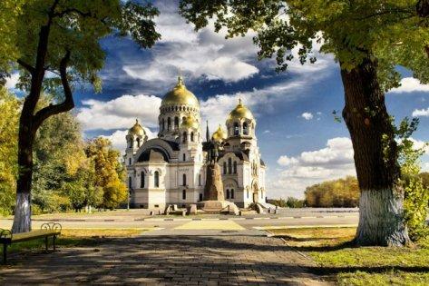 В Новочеркасске открывается после реконструкции третий по величине храм в стране