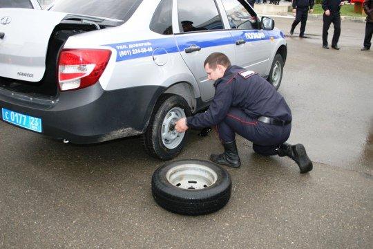 В Краснодаре прошел конкурс профессионального мастерства среди водителей-полицейских