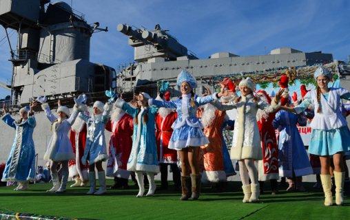 В Новороссийске Дед Мороз обосновался на крейсере