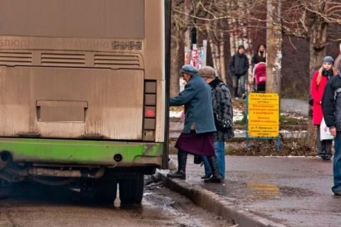 Глава администрации Ростова призвал к проведению месячника чистоты автобусов