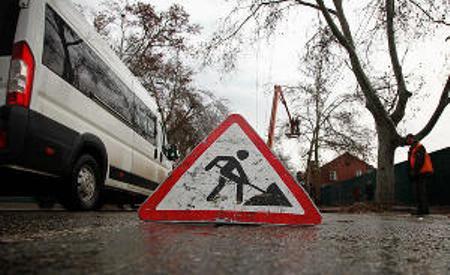 Армавирцы устраняют последствия ледяного дождя