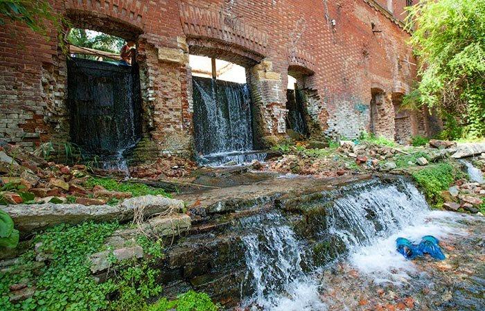 В Ростове разрушена дамба на Парамоновских складах