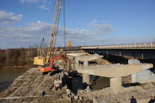 Работы по реконструкции моста в Теучежском районе Адыгее завершатся к концу года