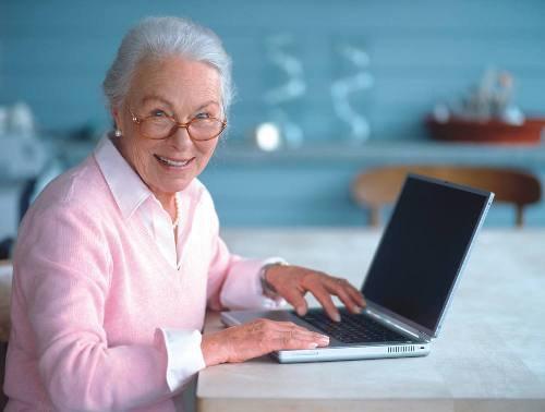 Пенсионеры Астрахани учатся компьютерной грамоте