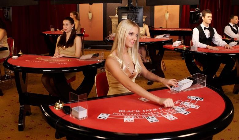 Как стать дилером казино?