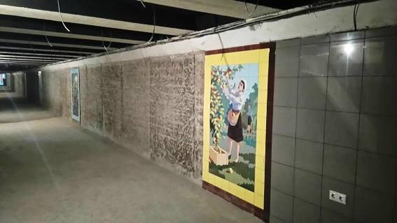 В ростовских подземных переходах уберут торговые киоски, закрывающие мозаику