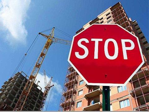 В п. Средняя Ахтуба занимаются устранением недостатков строительства жилых домов
