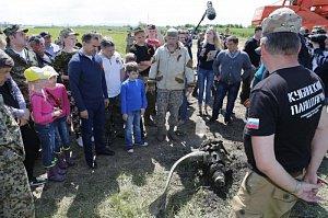 Вениамин Кондратьев побывал на раскопке самолёта времён ВОВ в станице Холмской