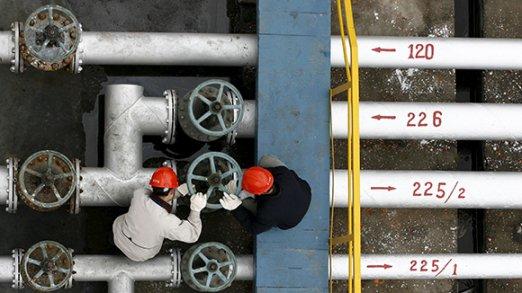 На ирано-российском форуме в Астрахани вопрос заморозки добычи нефти рассматриваться не будет