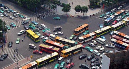 В Волгограде собирают подписи под петицией против закрытия 88 маршрутов общественного транспорта