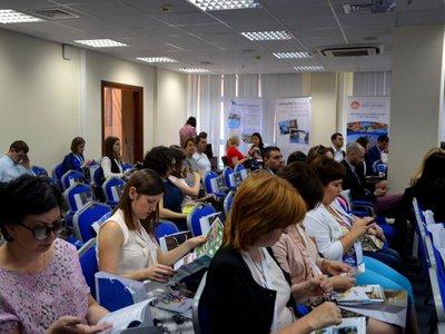 Жители Волжского обеспокоены проблемным процессом получения социальных проездных