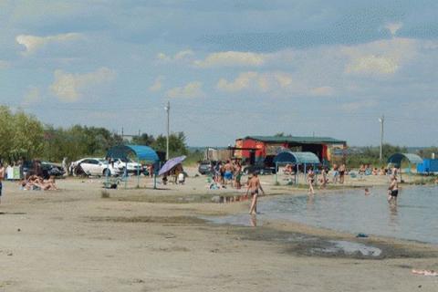 В районе пляжа батайского Солёного озера откроют пешеходную зону