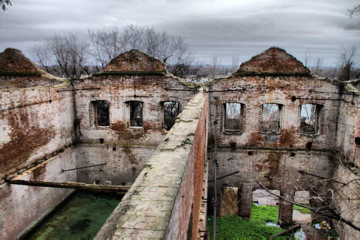 Реконструкция Парамоновских складов в Ростове затягивается