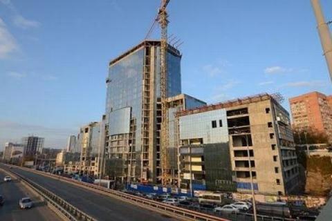 Вокруг недостроенного отеля Sheraton в Ростове наконец благоустроят территорию