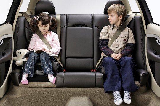 Безопасность детей в автомобилях проверили в Волгоградской области