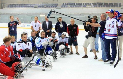 Молодежный лагерь по следж-хоккею открылся в сочинском