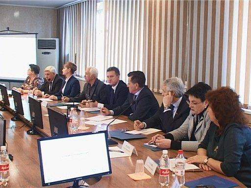Губернатор Астраханской области настаивает на частно-государственном партнерстве с социальной сфере