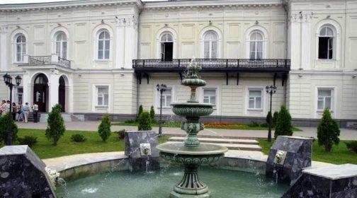 Атаманский дворец  стал яблоком раздора между Ростовской епархией и музеем
