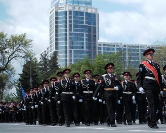 7 тыс. казаков прошли строем по Краснодару