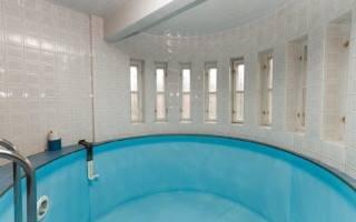 В Краснодаре достроят бассейн