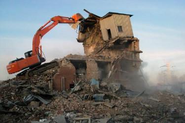 Стоимость сноса здания перед стройкой: на что ориентироваться частному заказчику?
