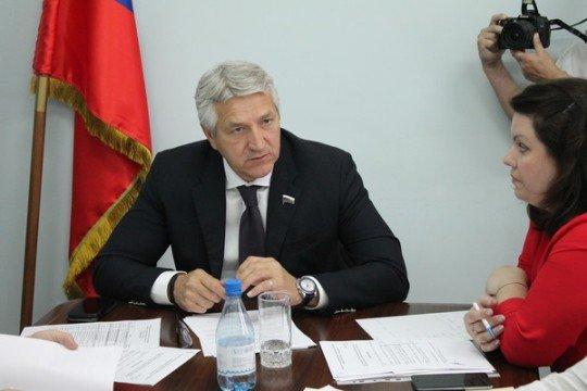 Депутат Астраханской Госдумы Л. Огуль обеспокоен маловодьем Волги