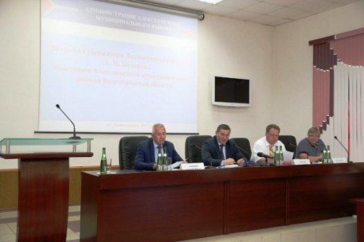 А. Бочаров обсудил с жителями Алексеевского района проекты благоустройства