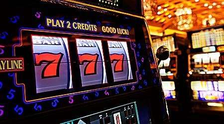 Лучший игровой автомат: зеленые «баксы» рядом