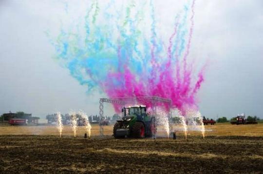 На Кубани презентовали новый трактор Fendt 1050 Vario