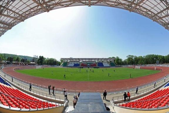 В Майкопе торжественно открыли реконструированный стадион