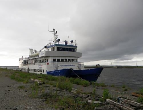 Астраханский теплоход оказался смертельно опасен для судоходства