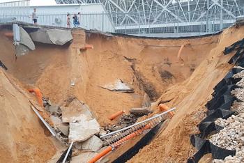 Опора Волгоград-арены не выдержала испытания ливнем