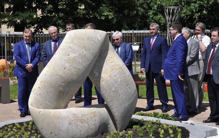 В Майкопе появился первый в России математический музей-парк