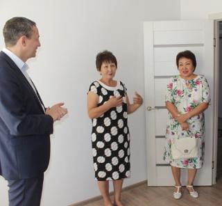 Сотрудники РАН Калмыкии получили ключи от новых квартир