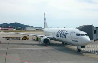 Boeing 737-800 , следовавший из Москвы, неудачно приземлился в Сочи