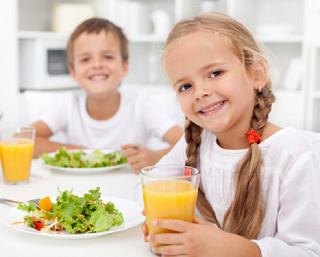 Первоклассников волгоградских школ обеспечат бесплатным питанием